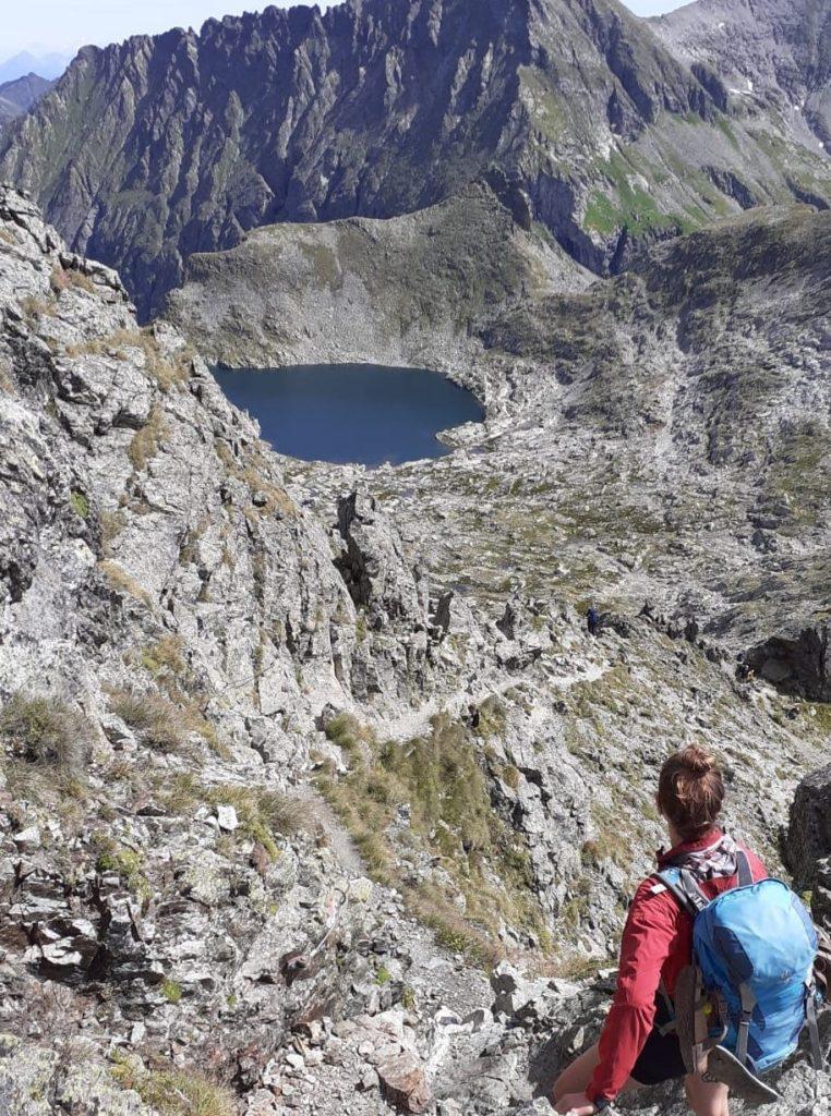 Schladminger Tauern Höhenweg. Abstieg vom Greifenberg